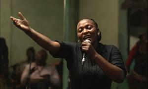 'Véro Tshanda Beya Mputu as Félicité.