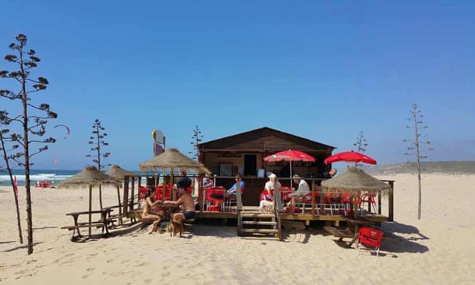 bordeira beach bar