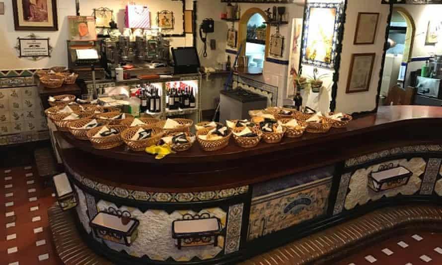Bar Las Golondrinas.