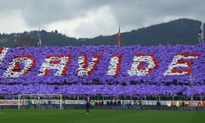 Fiorentina paid tribute to Davide Astori in their first match since their captain's death.