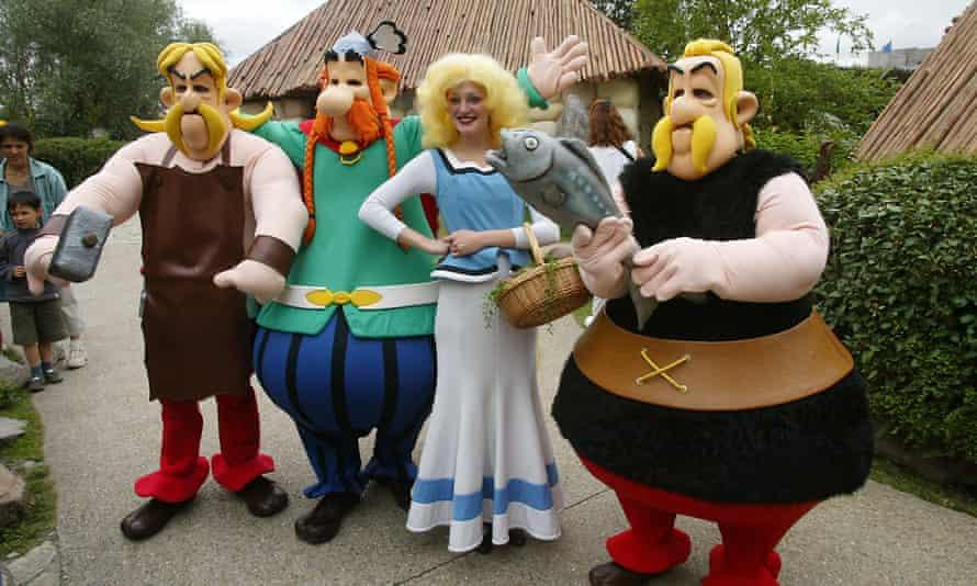 Characters at Parc Astérix.