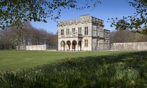 Lodge Park et Sherborne Estate avec des jonquilles