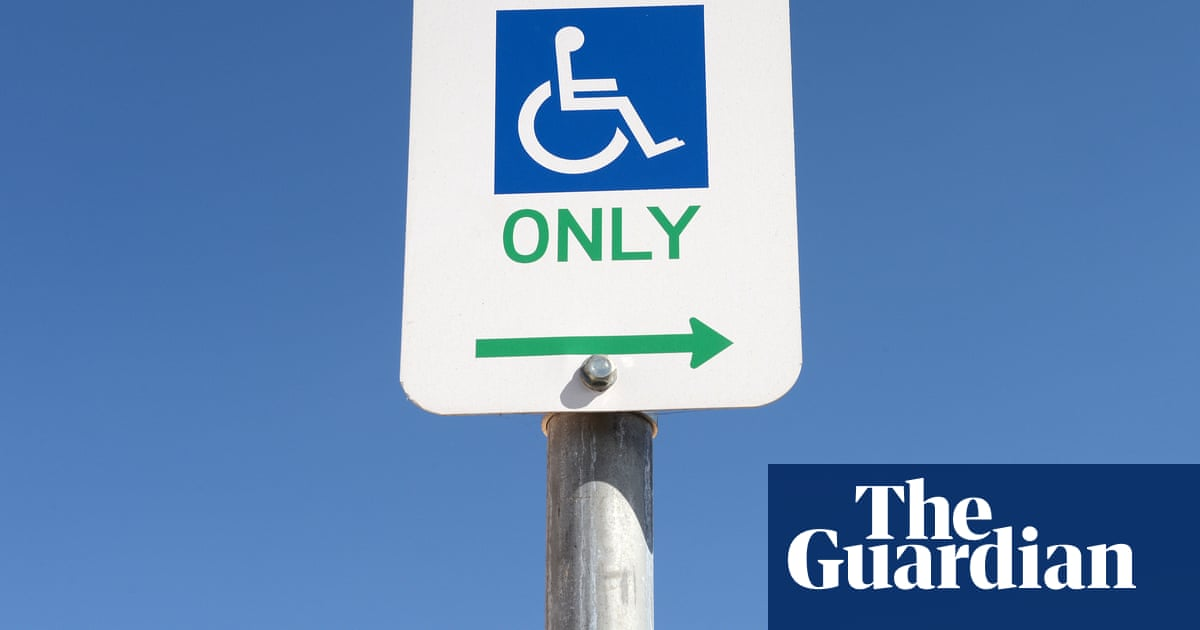'Unconscionable' to lift lockdowns before all Australians with disability can be vaccinated, inquiry says