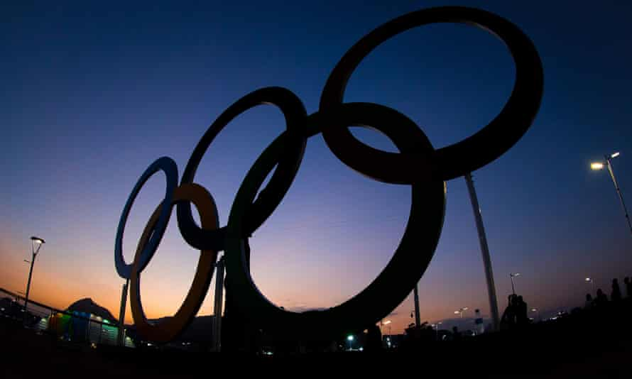 Silhouette of the Olympic Games logo in Rio
