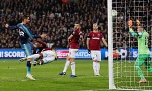 Tottenham's Fernando Llorente scores their third goal.