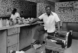 Deas McNeil, the Barber, Harlem, NY,1976