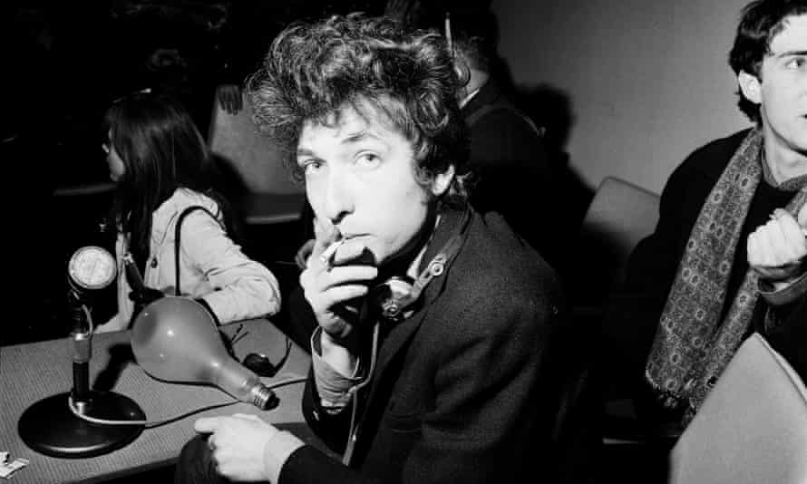 Bob Dylan at a press conference in London, 1965.
