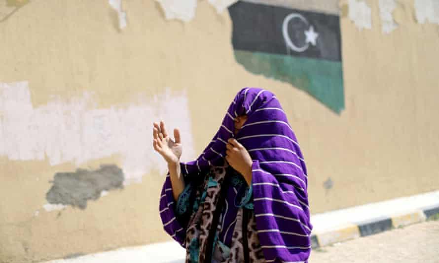A displaced Libyan woman in Tripoli
