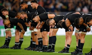 New Zealand bow to their supporters after closing out victory over South Africa.
