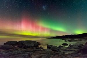 Aurora Australis from Beerbarrel Beach by James Stone