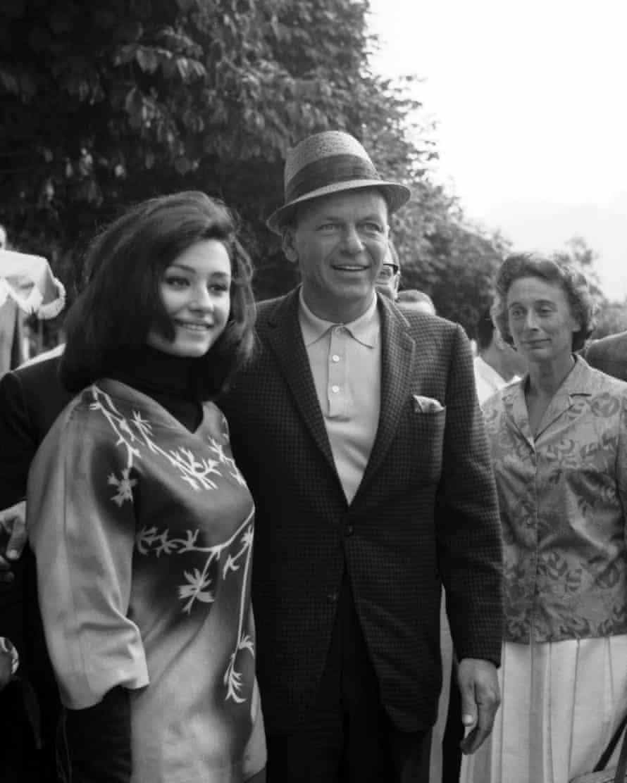 Raffaella Carrà and Frank Sinatra