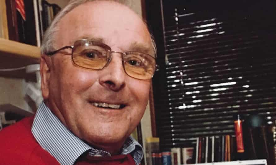 Denis Jackson took up literary translation on retirement from his job as an engineer with Siemens
