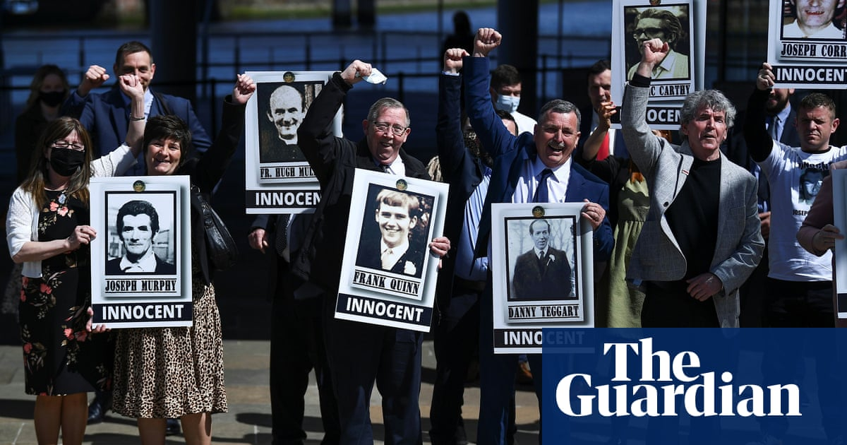 Boris Johnson apologises 'unreservedly' over Ballymurphy deaths