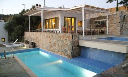 Achlada Mourtzanakis Residence. Crete Hiking