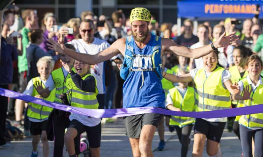 Ben Smith completes the last of his 401 marathons in Bristol.