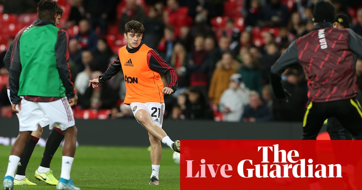 Manchester United v Manchester City: Carabao Cup semi-final, first leg –live!