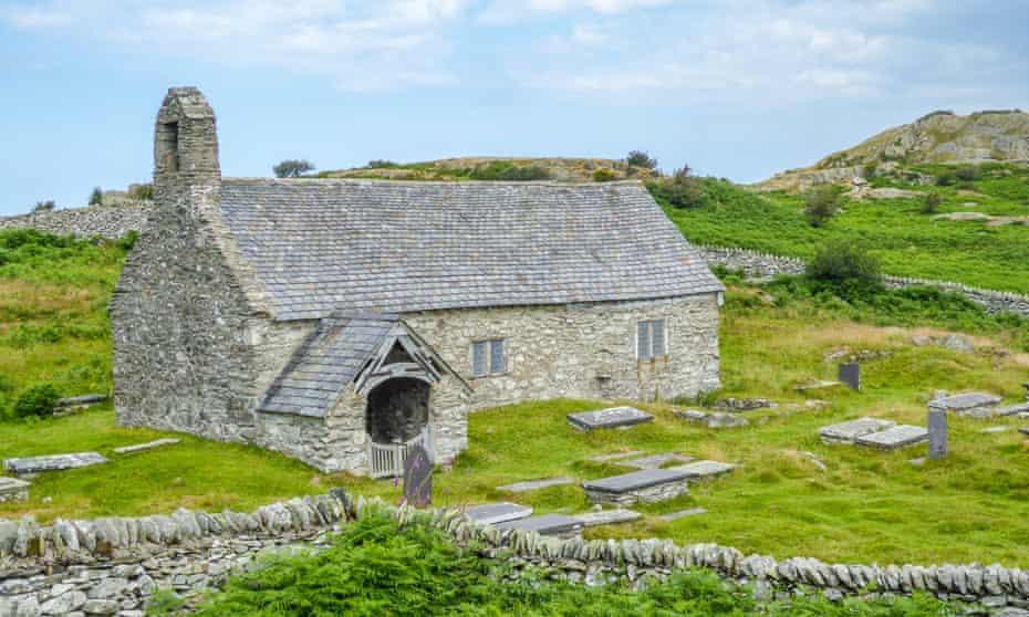 Llangelynin church.