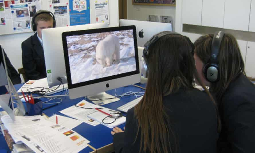 Students take part in a video editing workshop.