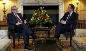 Jean-Claude Juncker (left) meeting David Cameron at Chequers in 2015.