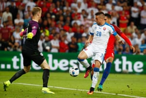 Robert Mak is unable to steer the ball home after poor defending by Chris Smalling and Joe Hart.