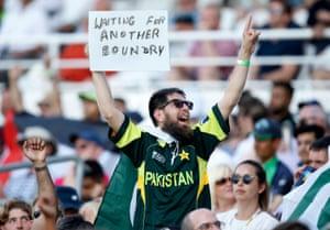 A Pakistan fan pleads for boundaries.