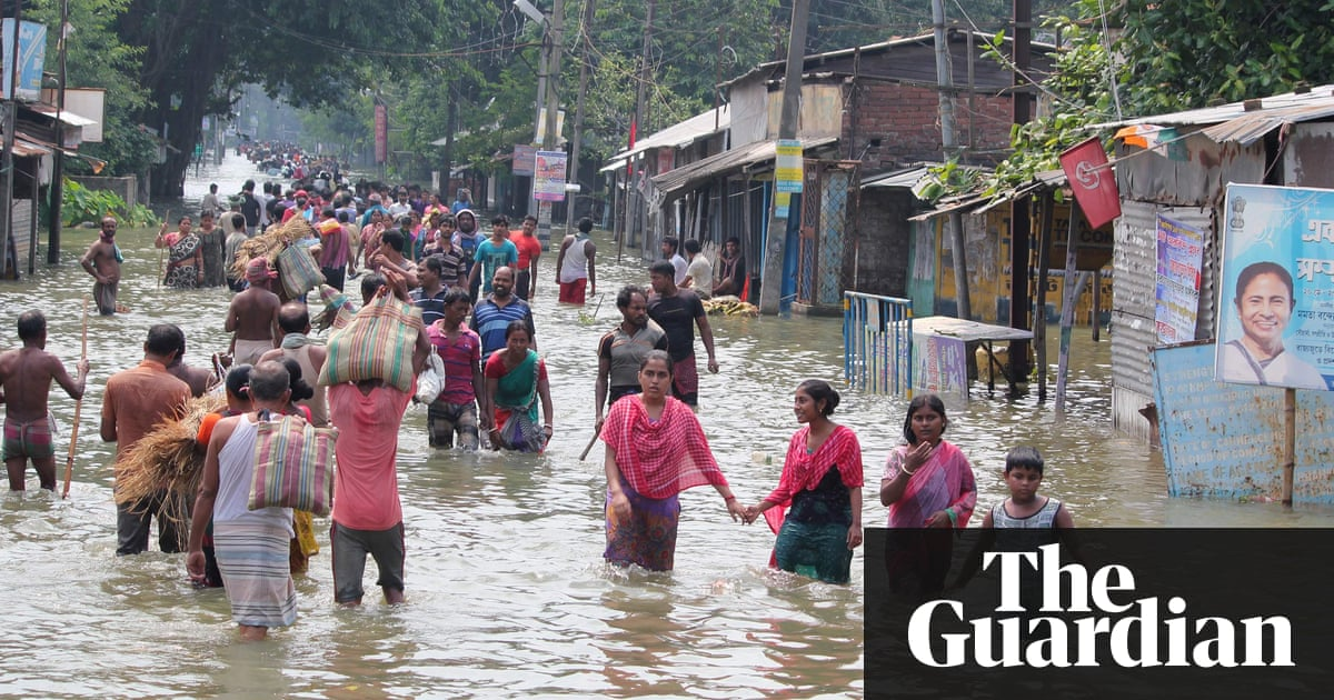 Floods claim more than 800 lives across India, Nepal and ...
