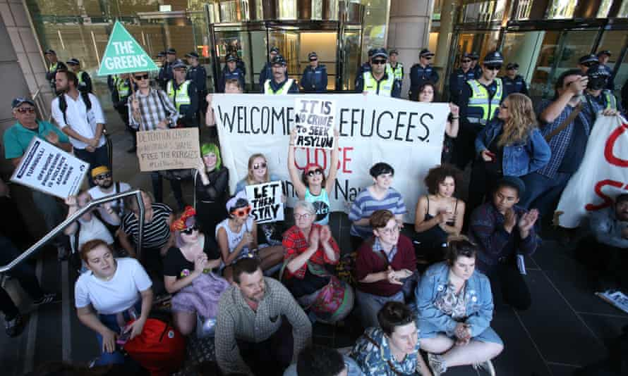 Refugee advocates call on the government to 'let them stay' in Australia