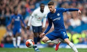 Jorginho trong chiến thắng của Chelsea trước Tottenham vào tháng Hai