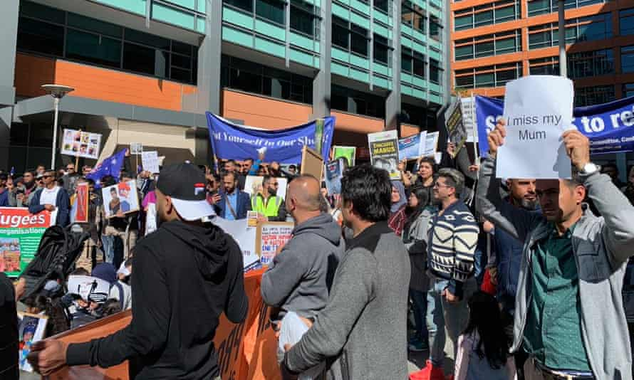 Refugees on temporary visas protest outside the Home Affairs department in Sydney
