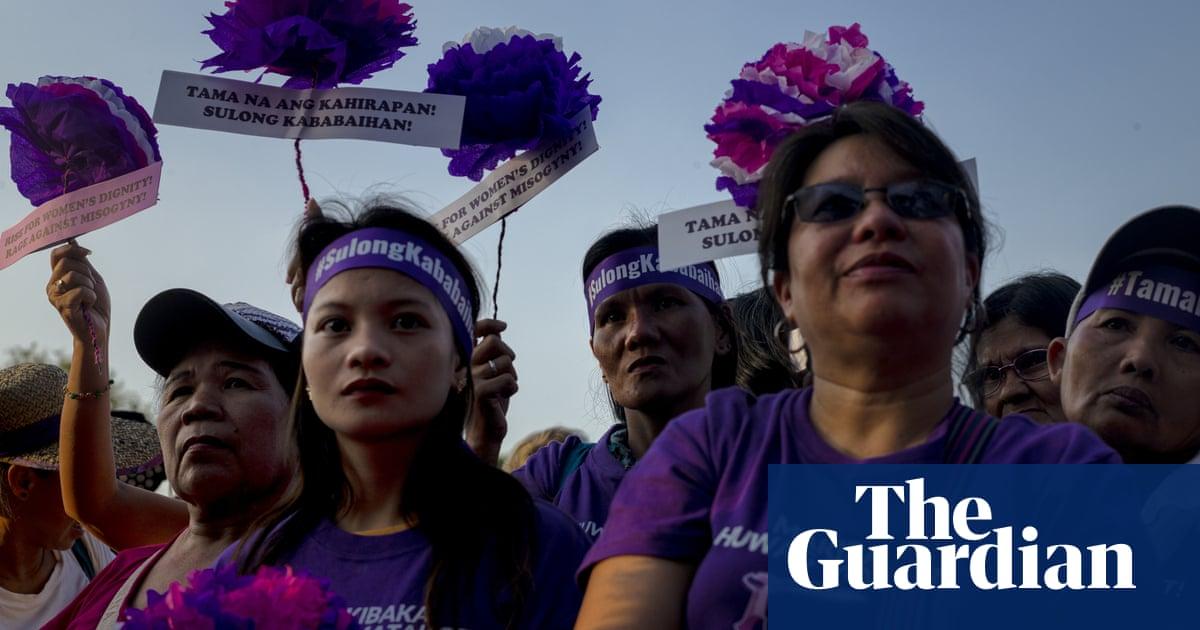 Rodrigo Duterte calls women at gender-equality event 'bitches'