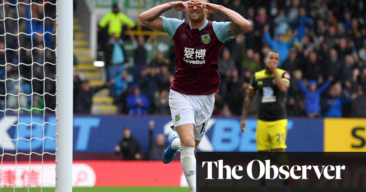 Ashley Barnes at the double as Burnley brush aside Southampton