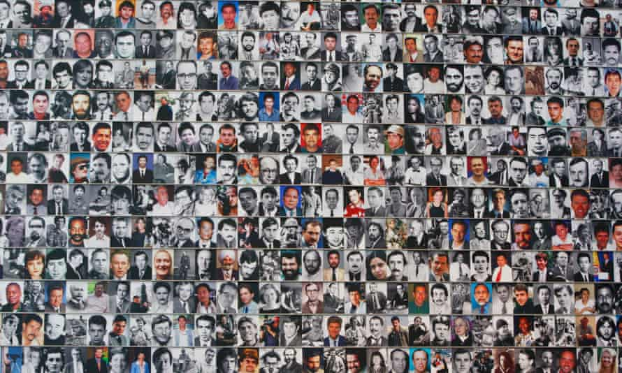 The scientists asked volunteers to spend an hour recalling as many faces as they could from their private lives, covering old school friends, work colleagues, past partners and colleagues.