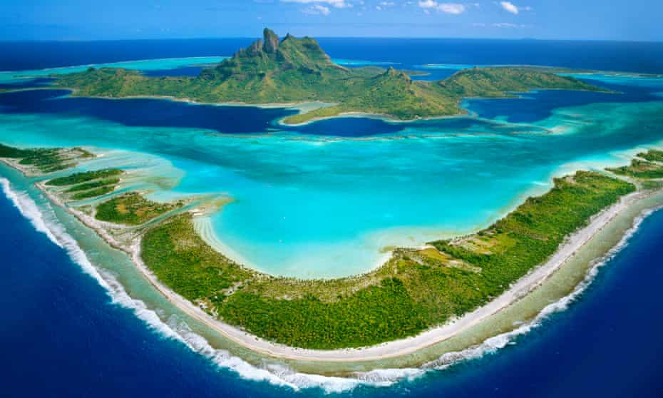View over the barrier reef around Mount O' Temanu, Bora Bora, Tahiti