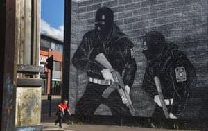Loyalist paramilitary mural, Belfast