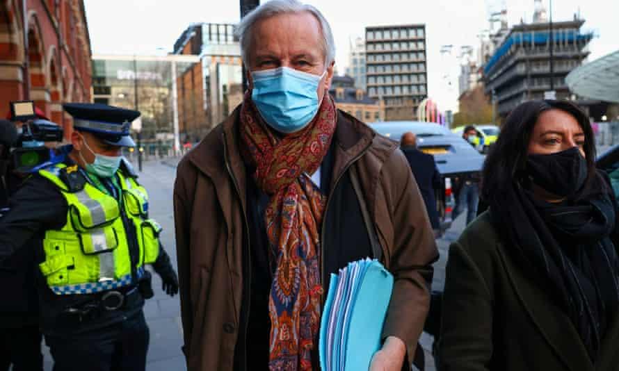 Michel Barnier arriving for talks in London on Saturday