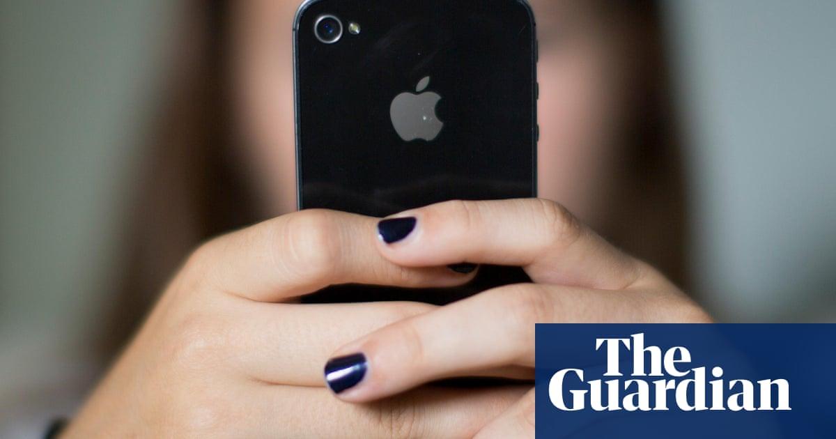 Israeli firm accused of creating iPhone spyware | World news