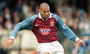 Stan Collymore playing for Aston Villa in 1998