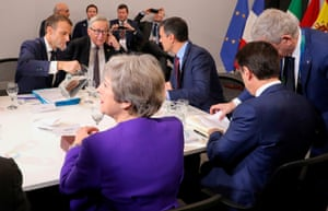 French President Emmanuel Macron, the president of the European Commission Jean Claude Juncker Spanish Prime Minister Pedro Sanchez Italian Prime Minister Giuseppe Conte and British Prime Minister Theresa May meet for a working session prior to the G20 Summit