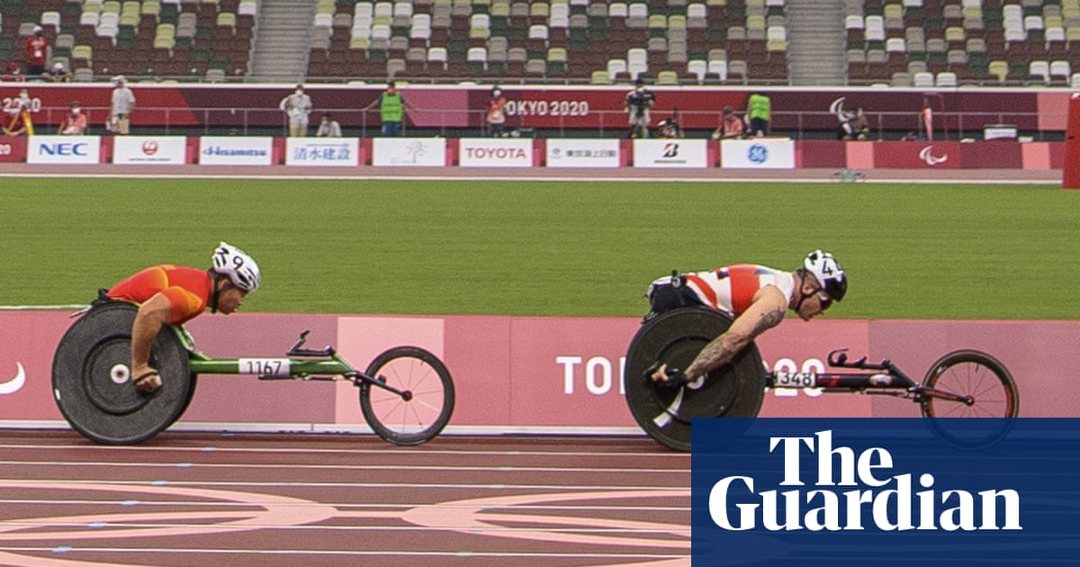 David Weir struggles in Paralympic return as 'Weirwolf' slips to back of pack