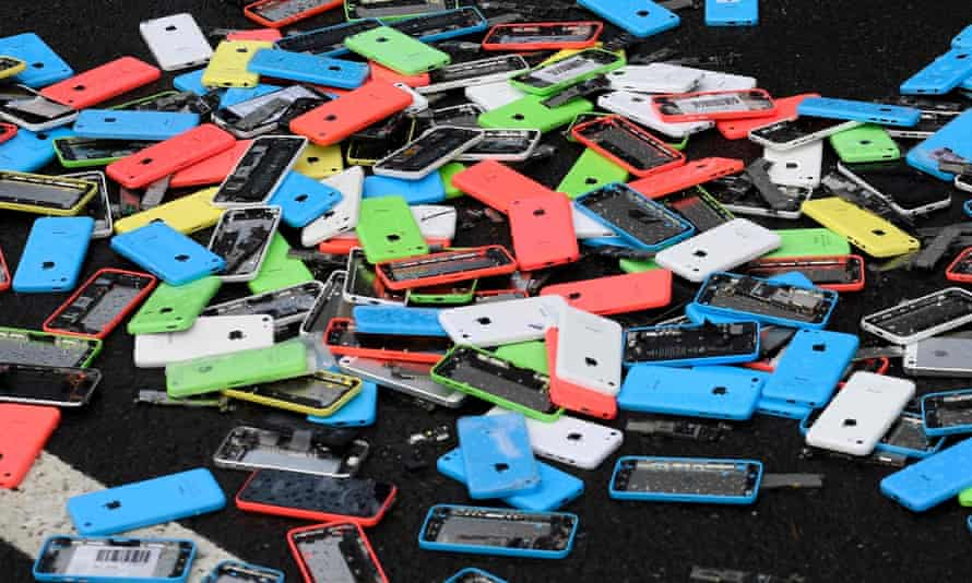 Second-hand smartphones come in a plethora of different types, conditions and prices.