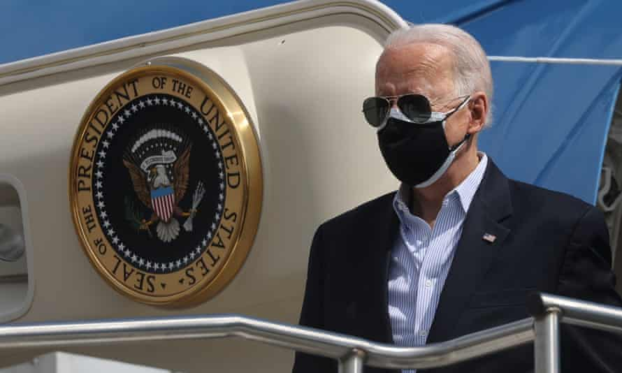 U.S. President Joe Biden and his wife Jill Biden arrive at Ellington Field Joint Reserve Base in Houston, Texas<br>U.S. President Joe Biden arrives at Ellington Field Joint Reserve Base in Houston, Texas, U.S., February 26, 2021. REUTERS/Jonathan Ernst
