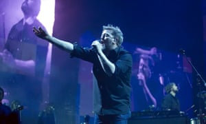 Crumpled puz-quizzer ... Guy Garvey with Elbow at the SSE Hydro, Glasgow.