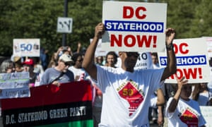 DC statehood supporters march to the Lincoln Memorial in 2013.