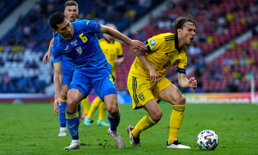 Ukraine's Taras Stepanenko (left), in action here against Sweden, is key to their play from the base of the midfield.