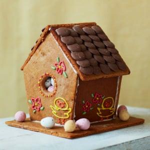 Tamal Ray's gingerbread bird box.