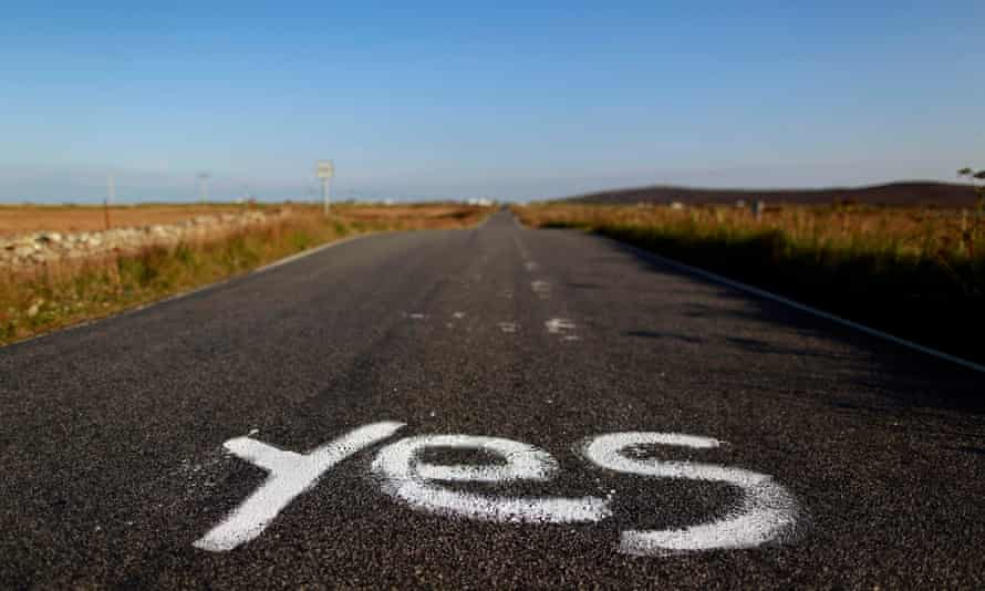 A road in North Uist in the Outer Hebrides, before the May 2014 referendum.
