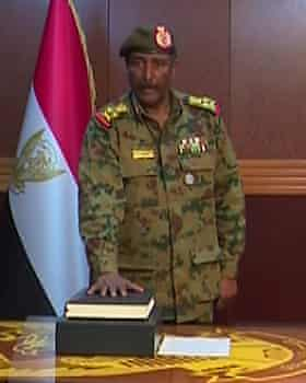 General Abdel Fattah Burhan Abdulrahman taking an oath