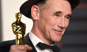 Mark Rylance with his Oscar for best supporting actor.