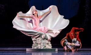 Hannah O'Neill as Titania, with Takeru Coste, in Paris Opera Ballet's A Midsummer Night's Dream.