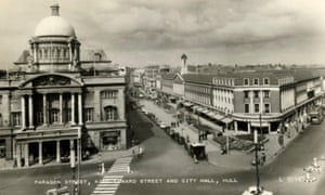Hull's Paragon street and King Edward street in the 1950s.